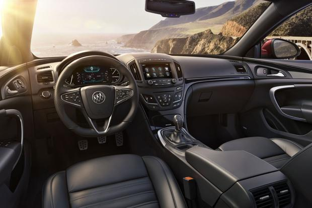 2015 Buick Regal: New Car Review featured image large thumb3
