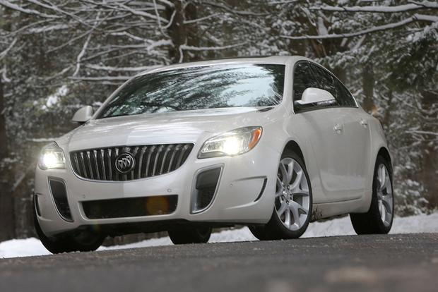 2016 Buick Regal: New Car Review featured image large thumb4