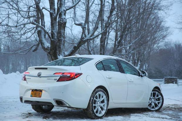2016 Buick Regal vs. 2016 Buick Verano: What's the Difference? featured image large thumb5