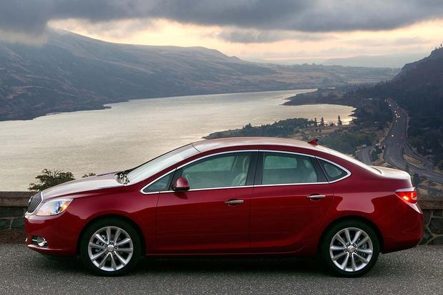 2016 Buick Regal vs. 2016 Buick Verano: What's the Difference? featured image large thumb4