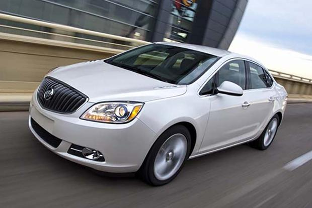 2016 Buick Regal vs. 2016 Buick Verano: What's the Difference? featured image large thumb10