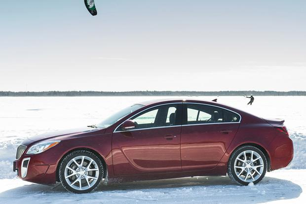 2017 Buick Regal: New Car Review featured image large thumb2