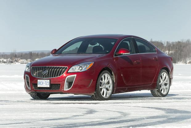2017 Buick Regal New Car Review Featured Image Large Thumb3