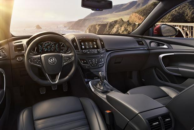 2017 Buick Regal: New Car Review featured image large thumb4