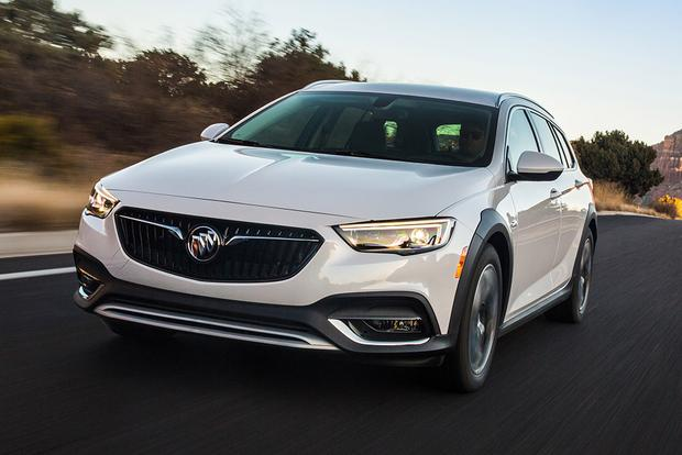 2018 Buick Regal TourX: New Car Review featured image large thumb2
