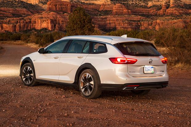 2018 Buick Regal TourX: New Car Review featured image large thumb3