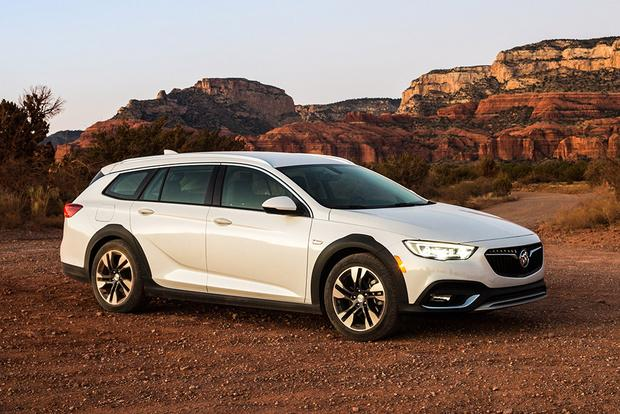 2018 Buick Regal TourX: New Car Review featured image large thumb0