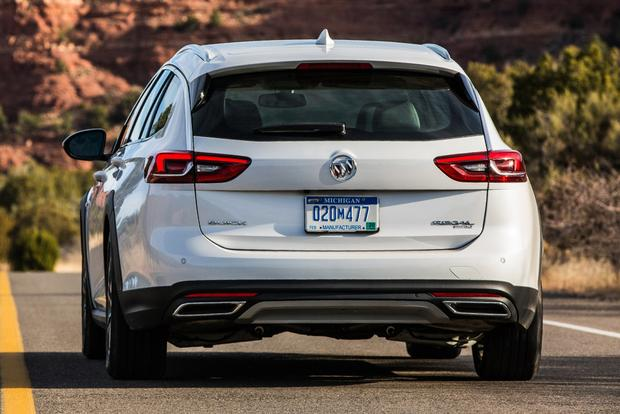 2018 Buick Regal TourX: New Car Review featured image large thumb4