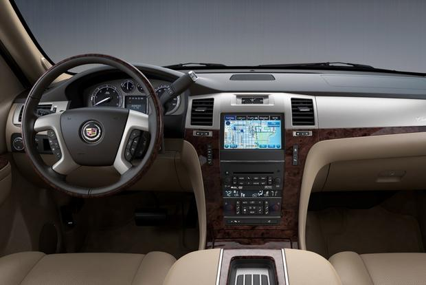 2014 vs. 2015 Cadillac Escalade: What's the Difference? featured image large thumb8