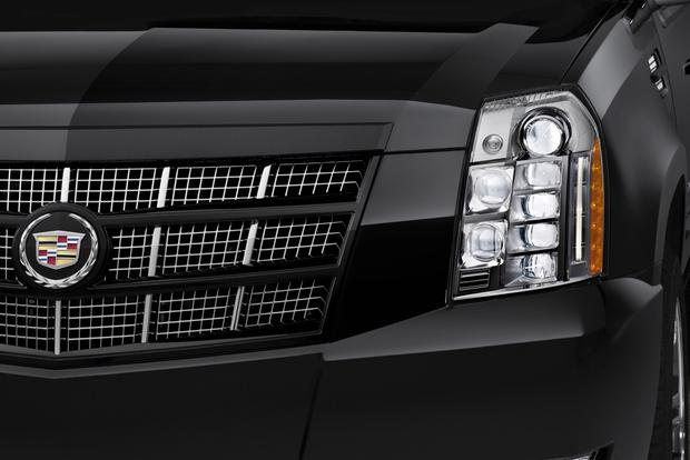 2013 Cadillac Escalade: New Car Review featured image large thumb4