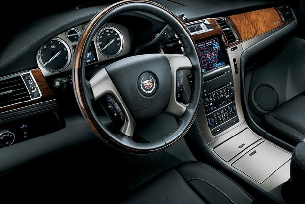 2013 Cadillac Escalade: New Car Review featured image large thumb8