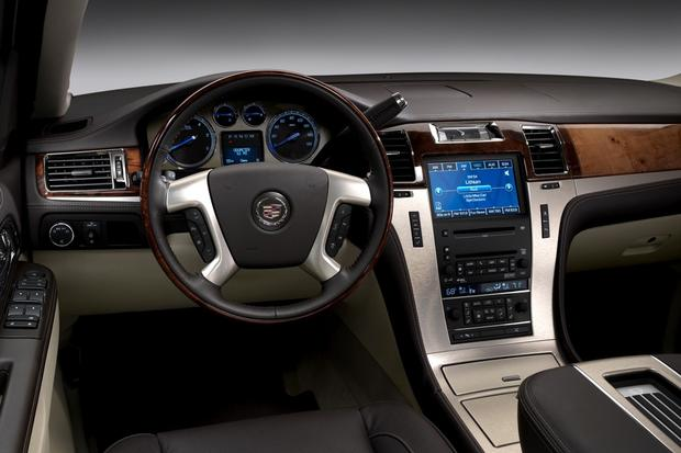 2013 Cadillac Escalade: New Car Review featured image large thumb9