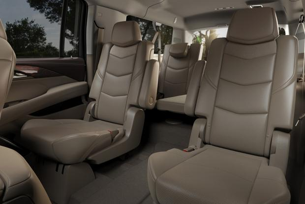 2015 Cadillac Escalade: New Car Review featured image large thumb31