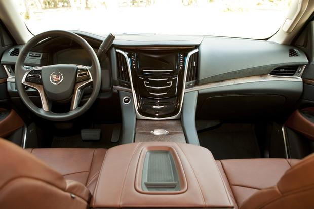 2015 Cadillac Escalade: New Car Review featured image large thumb3