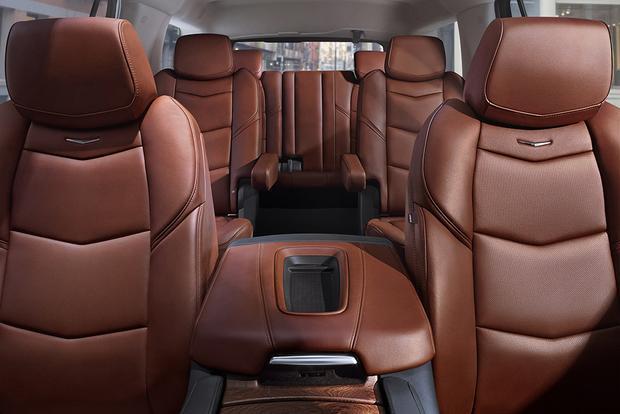 2017 Escalade Interior >> 2017 Cadillac Escalade New Car Review Autotrader