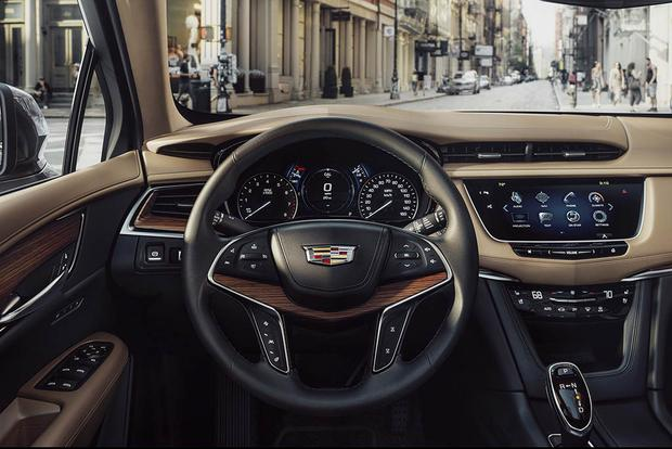 2017 Cadillac XT5 vs. 2016 Cadillac SRX: What's the Difference? featured image large thumb1