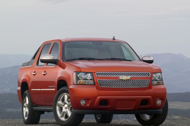 2007 2013 Chevrolet Avalanche Used Car Review Autotrader