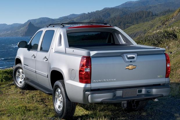 2007 2013 chevrolet avalanche used car review autotrader. Black Bedroom Furniture Sets. Home Design Ideas