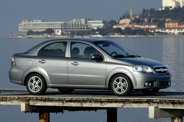 Cheap Luxury Cars >> 2004-2011 Chevrolet Aveo: Used Car Review - Autotrader