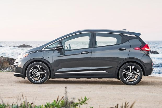2017 Chevrolet Bolt: New Car Review featured image large thumb4