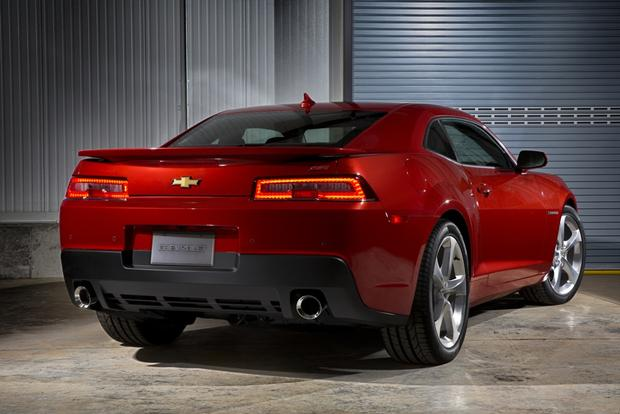 2014 Chevrolet Camaro: New Car Review featured image large thumb1