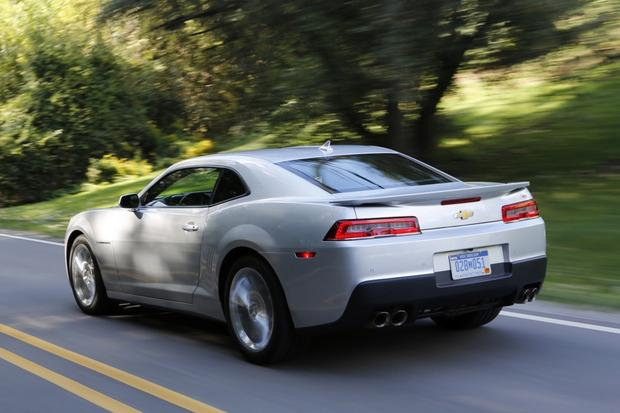 2015 chevrolet camaro used car review autotrader. Black Bedroom Furniture Sets. Home Design Ideas