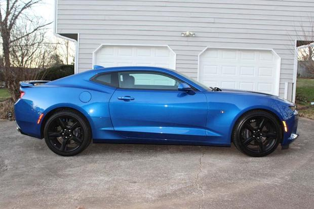 2016 chevrolet camaro ss real world review autotrader. Black Bedroom Furniture Sets. Home Design Ideas