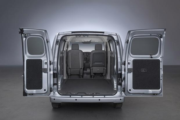 2017 Chevrolet City Express New Car Review Featured Image Large Thumb2
