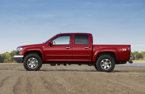2011 Chevrolet Colorado: Used Car Review featured image large thumb2