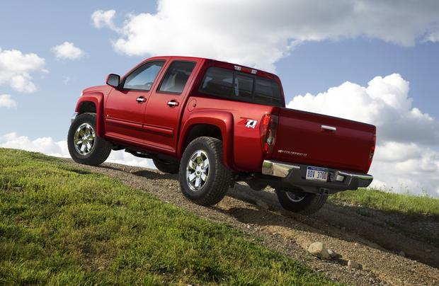 2011 Chevrolet Colorado: Used Car Review featured image large thumb3