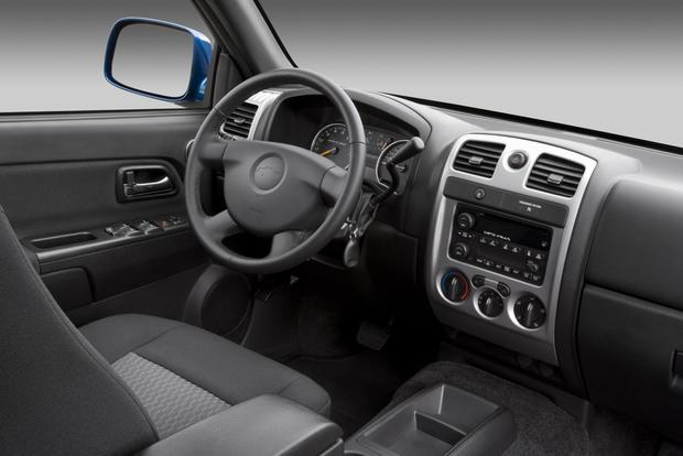 2011 Chevrolet Colorado: Used Car Review featured image large thumb4