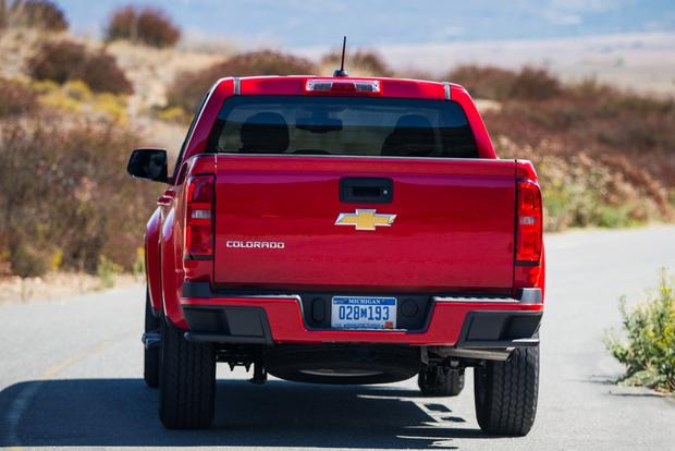 2015 Chevrolet Colorado: New Car Review featured image large thumb3