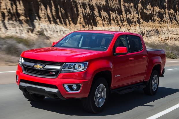 2015 Chevrolet Colorado vs. 2015 Toyota Tacoma: Which Is Better? featured image large thumb12