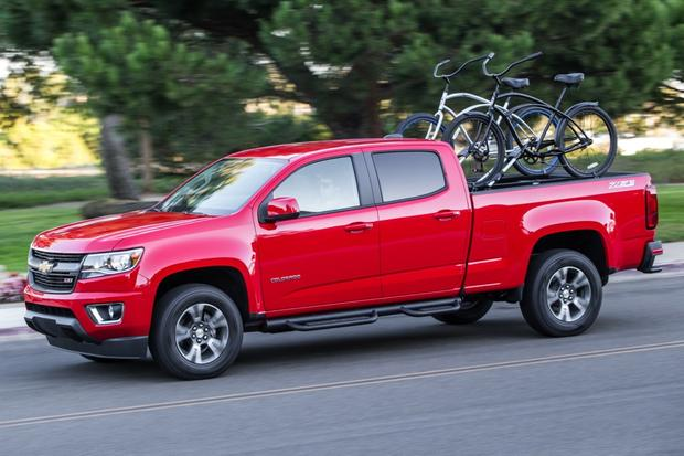 2015 Chevrolet Colorado vs. 2015 Toyota Tacoma: Which Is Better? featured image large thumb2