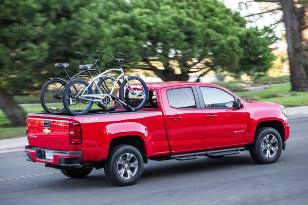 2015 Chevrolet Colorado vs. 2015 Toyota Tacoma: Which Is Better? featured image large thumb10