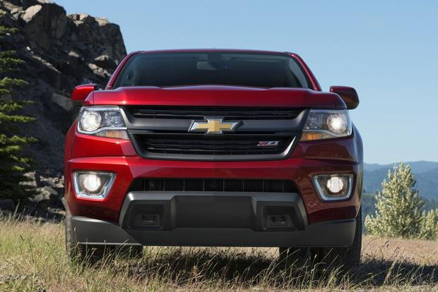 2015 Chevrolet Colorado vs. 2015 Toyota Tacoma: Which Is Better? featured image large thumb6