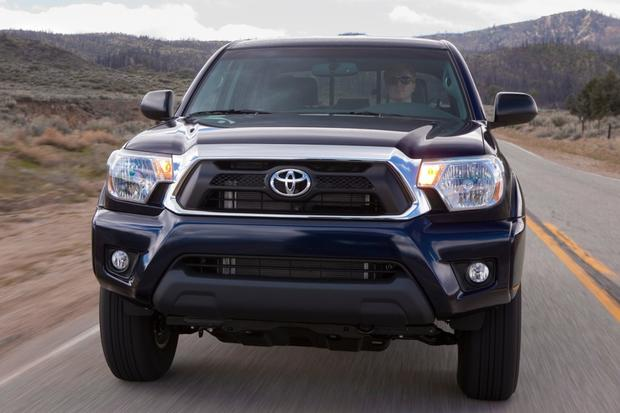 2015 Chevrolet Colorado vs. 2015 Toyota Tacoma: Which Is Better? featured image large thumb7