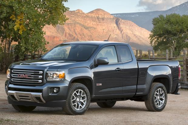Canyon Vs Colorado >> 2015 Chevrolet Colorado Vs 2015 Gmc Canyon What S The