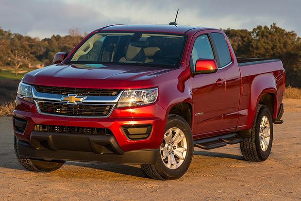 2015 Chevrolet Colorado vs. 2015 Nissan Frontier: Which Is Better? featured image large thumb11