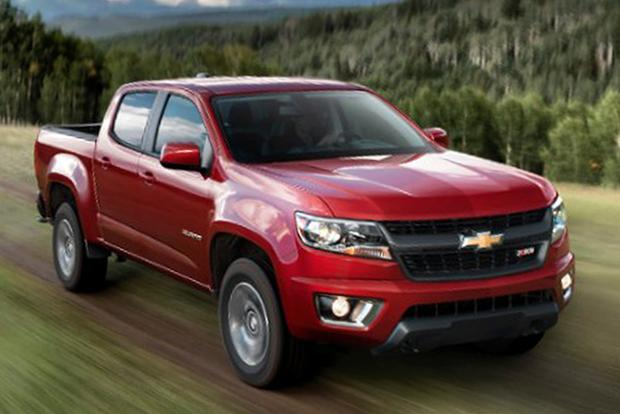 2015 Chevrolet Colorado vs. 2015 Nissan Frontier: Which Is Better? featured image large thumb9