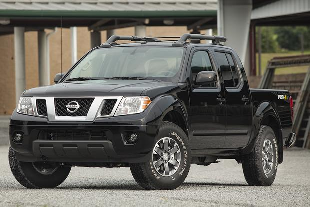 2015 Chevrolet Colorado vs. 2015 Nissan Frontier: Which Is Better? featured image large thumb0