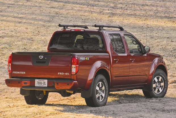 2015 Chevrolet Colorado vs. 2015 Nissan Frontier: Which Is Better? featured image large thumb4