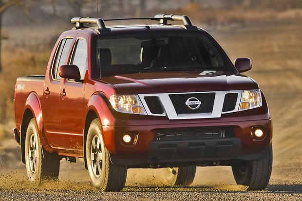 2015 Chevrolet Colorado vs. 2015 Nissan Frontier: Which Is Better? featured image large thumb10