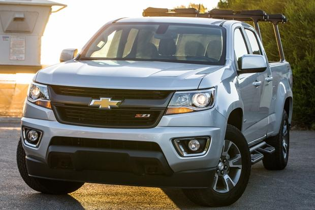 2015 Chevrolet Colorado vs. 2015 Chevrolet Silverado: What's the Difference? featured image large thumb1