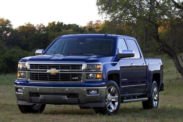 2015 Chevrolet Colorado vs. 2015 Chevrolet Silverado: What's the Difference? featured image large thumb2