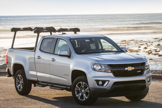 2015 Chevrolet Colorado vs. 2015 Chevrolet Silverado: What's the Difference? featured image large thumb4