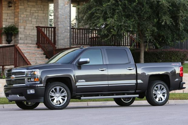 2015 Chevrolet Colorado vs. 2015 Chevrolet Silverado: What's the Difference? featured image large thumb11