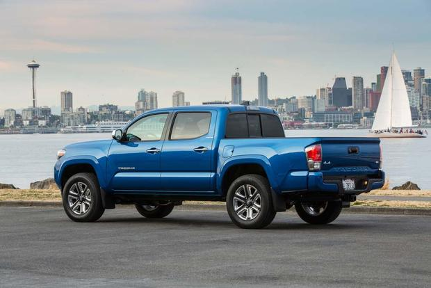 2016 Toyota Tacoma vs. 2016 Chevrolet Colorado: Which Is Better? featured image large thumb3