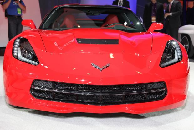 2014 Chevrolet Corvette Stingray: Detroit Auto Show featured image large thumb2