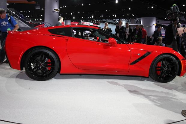 2014 Chevrolet Corvette Stingray: Detroit Auto Show featured image large thumb4